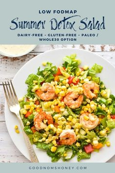 This Low FODMAP Summer Detox Salad will help get you back on a healthy eating track as well as delight your taste buds. Dairy-free and gluten-free with a Paleo/Whole30 option. #goodnomshoney #lowfodmap #detoxsalad #summerrecipes #lunch #dinner #salad #grilling #healthy #dairyfree #glutenfree #paleo #whole30 Salad Recipes Gluten Free, Healthy Recipes, Healthy Salads, Clean Eating Salads, Healthy Eating, Summer Detox, Detox Salad, Healthiest Seafood, Raw Vegetables