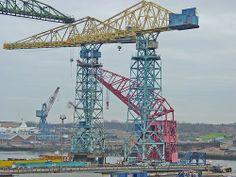 Más tamaños | Stothert & Pitt tower cranes with Titan III floating crane | Flickr: ¡Intercambio de fotos!