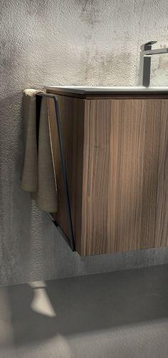 Mobili bagno in rovere nodato e noce americano: Maia - AgoràGroup - Edoné Design