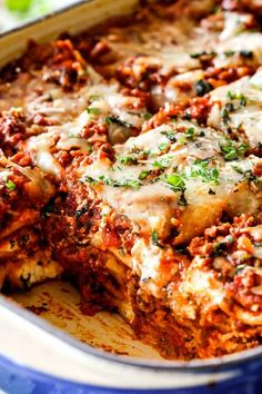 The Best Lasagna Recipe ever I will never make another lasagna recipe again Its rich satisfying comforting flavorful and perfectly proportioned Each and every bite is hot. Homemade Lasagna Recipes, Homemade Meat Sauce, Pasta Recipes, Beef Recipes, Dinner Recipes, Cooking Recipes, Lasagne Recipes, Classic Lasagna Recipe, Gourmet