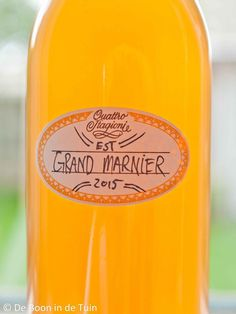 T - recept grand marnier maken sinaasappellikeur Lemonade Cocktail, Cocktail Drinks, Alcoholic Drinks, Beverages, Happy Drink, Homemade Liquor, Cocktail Ingredients, How To Make Drinks, Grand Marnier