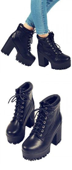 I WANT! So cute! Black ankle boots,Chic look without the bulk of boot socks. Love!