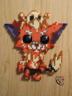 So where to start. First this perler beads/ pixel art is not based on any sprite. I have take a drawing from a Japanese (I guess he or she is because this creation was posted on pixiv') Crochet Crafts, Bead Crafts, Geek Perler, Pixel Art Templates, Peler Beads, Pixel Pattern, Perler Bead Art, Diy Crafts For Gifts, Perler Patterns