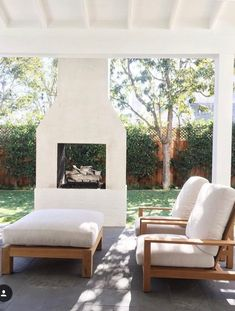 Dress up your backyard patio with some gorgeous outdoor fireplace seating ideas . - Outdoor Kitchen Bars about you searching for. Fireplace Seating, Backyard Fireplace, Fireplace Design, Fireplace Ideas, Fireplace Outdoor, Brick Fireplaces, Porch Fireplace, Fireplace Mantle, Casa Patio