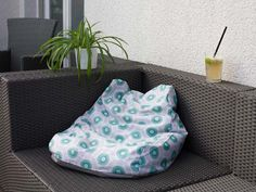 kostenlose DIY-Nähanleitung: Sitzsack mit Lehne // free diy sewing tutorial: beanbag chair via DaWanda.com