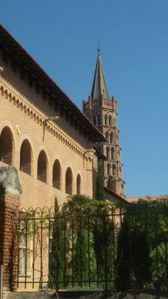 Musee Saint Raymond  l'église Saint Sernin  toulouse