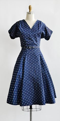 vintage 1950s blue polka dot taffeta dress | Doux et Mignon Dress  #vintagedress #1950s