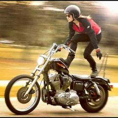 Harley Davidson Events Is for All Harley Davidson Events Happening All Over The world Lady Biker, Biker Girl, Motorbike Girl, Motorcycle Girls, Biker Chick, Harley Davidson Bikes, Biker Style, Custom Motorcycles, Choppers