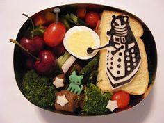 Bento Box Lunches by J.B.: Doctor Who Dalek Bento & Nori Cutting Tips