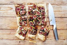 Fig & Blue Cheese Tart with Honey Balsamic and Rosemary- a savory and beautiful pastry tart topped with sweet figs and tangy blue cheese. Balsamic sauce blends these two different flavors together in an incredible way! Tart Recipes, Cooking Recipes, Fig Recipes, Honey Recipes, Cheese Recipes, Lunch Recipes, Delicious Recipes, Fig Tart, Fig Pie