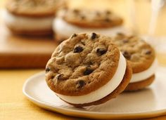 INGREDIENTS  1 (18-oz.) pkg. (20 cookies) Pillsbury® Ready to Bake!™ Refrigerated Chocolate Chip Cookies or 1 (18-oz.) pkg. Pillsbury® Refrigerated Chocolate Chip Cookies 2 cups powdered sugar 1 (7-oz.) jar (1 1/2 cups) marshmallow creme  DIRECTIONS  -After a great meal, enjoy an e-cigarette with your prefered e-liquid flavor at www.e-cigarilicious.com #ecigarette #eliquid #ecig #vaporizer