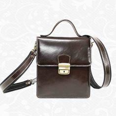 Moderná kožená etuja - taška na doklady z vysokokvalitnej prírodnej kože. Obsahuje  vnútorné priehradky na doklady, peniaze alebo telefón. Taška na doklady s úchopom do ruky alebo za bočnú koženú rúčku. http://www.kozene.sk/produkt/kozena-etuja-c-8513/