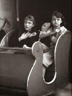 Robert Doisneau, The ghost train, funfair, Paris, 1953 © Atelier Robert Doisneau tag: scary fun kids