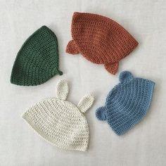 ネコ、くま、うさぎ、どんぐりの形のベビー帽子。どれも被せてみたくなる可愛さです。