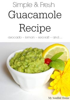 Avocados 101 - guide to ripeness, handling, history and the simplest & fresh guacamole recipe !
