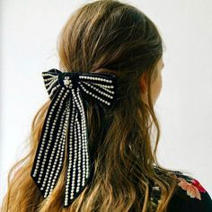 Double-tap if you would recreate this hairbow! 😍 Craft inspo by @jenniferbehr - #offray #offrayribbon #ribbon #diyaccessories…