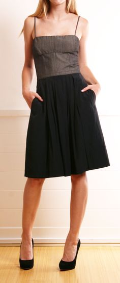 Nice dress, simple and could be easily dressed up or down.