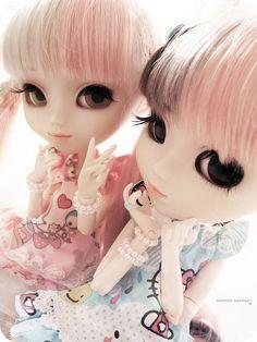 Marie & Mylene by Paula ~♥, via Flickr  My friend Paula's dolls.  Outfit by me.