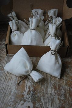 Hey, I found this really awesome Etsy listing at https://www.etsy.com/listing/517596720/natural-linen-favor-giftcandysweet-bags
