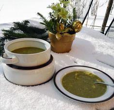 Rezept für einen vegetarischen Erbseneintopf, der sein einfach kochen lässt und das perfekte Essen für kalte Tage ist.