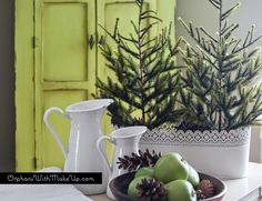 Eye For Design: Decorating With Tabletop Christmas Trees