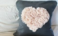 Ruffle heart pillow tutorial by Come On Ilene Sewing Patterns Free, Free Sewing, Sewing Tutorials, Sewing Crafts, Sewing Projects, Ruffle Pillow, Flower Pillow, Crochet Pillow, Pillow Crafts