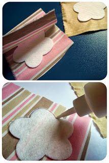 """""""Compartilhando passo a passos"""" Felt Crafts Patterns, Felt Crafts Diy, Recycled Crafts, Cute Crafts, Sewing Crafts, Felt Flowers, Fabric Flowers, Bag Pattern Free, Shabby Fabrics"""
