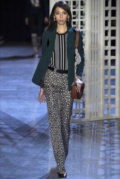 Altuzarra collezione donna Autunno Inverno 2016-2017 alla New York Fashion Week http://modainpasserella.blogspot.com/2016/02/0224-altuzarra-collezione-donna-fw-2016.html #Altuzarra #FW2016 #modadonna #NYFW #fashion