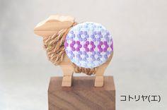 お花の輪刺繍ブローチ 紫系|ブローチ|コトリヤ(エ)|ハンドメイド通販・販売のCreema