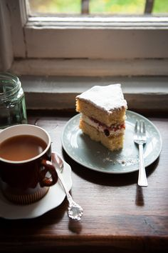 Desserts for Breakfast: Scenes from Edinburgh, Scotland - photography inside the cafe