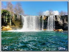 Pedrosa de Tobalina, Burgos, S Beautiful Waterfalls, Beautiful Landscapes, Places Of Interest, Andalusia, Travel And Leisure, Spain Travel, Places To See, Beautiful Places, World