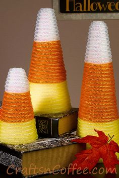 19 DIY Candy Corn Crafts That Double As Decor – Hard Working Mom 19 DIY Candy Corn Crafts That Double As Decor 19 Candy Corn Crafts & Decorations for Halloween Dollar Tree Halloween, Dollar Tree Crafts, Holidays Halloween, Halloween Diy, Halloween Candy, Halloween Stuff, Halloween Wreaths, Halloween Crafts To Sell, Farmhouse Halloween