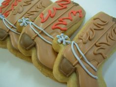 Cute cowboy boot cookies for a cowboy party Man Cookies, Iced Cookies, Cut Out Cookies, Cute Cookies, Royal Icing Cookies, Yummy Cookies, Cupcake Cookies, Sugar Cookies, Cookies Et Biscuits