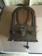 Antique GE  Wooden Beehive Radio model  T-12