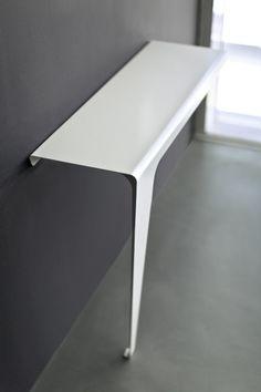 consolle_moderna_in_metallo_verniciato_bianco.jpg (600×900)
