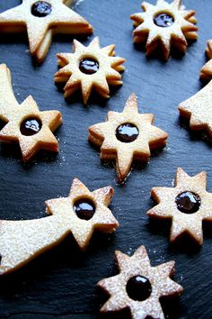 """""""Fireworks"""" Blueberry Raspberry Linzer Cookies For the of July Linzer Cookies, Summer Events, Cookie Monster, Independence Day, Gingerbread Cookies, Fireworks, 4th Of July, Blueberry, Christmas Ideas"""