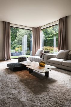 Modern contemporary environment to inspire you Contemporary Interior Design, Home Interior Design, Modern Contemporary, Living Room Designs, Living Room Decor, Salons Cosy, Small Apartment Design, Luxury Home Decor, House Rooms