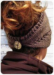 Knitted Headband/neck warmer (This is a knitting pattern but I would like to find a similar crochet pattern! Knitting Projects, Crochet Projects, Knitting Patterns, Crochet Patterns, Free Knitting, Knitting Needles, Crochet Ideas, Knit Crochet, Crochet Hats