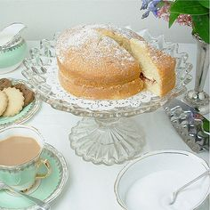 Gorgeous pretty glass cake stand for dessert tables,