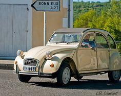 Citroen - 2CV - in Provence par C.R. Courson