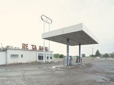 Iñaki Bergera Photography: gasstation02