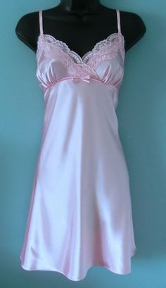 e1aba7f4670b5 New Morgan Taylor Pretty in Pink Lace Top Chemise Size Medium  MorganTaylor   BabydollChemise Pink