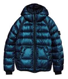 40832 GARMENT DYED DOWN-26 GR X SQM-N Hooded down jacket in ultra light nylon weighing just 26 grams per metre squared. The garment has been padded with the best down, specially treated to stand up to the stress of garment dyeing. The direct injection of down and lightweight construction of the feather sacks heighten the lightness and comfort of the garment.