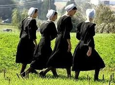 Single Amish young ladies.