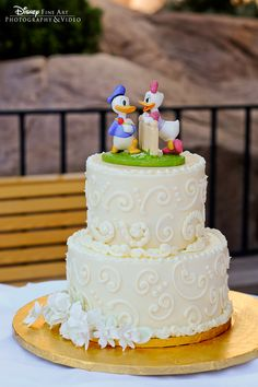 Donald and Daisy Duck wedding cake topper