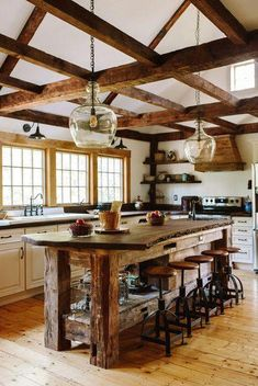 Rustic Kitchen Ideas - Rustic kitchen closet is an attractive combination of country home and farmhouse design. Search 30 ideas of rustic kitchen design right here Kitchen Decorating, Kitchen Decor Themes, Home Decor Kitchen, New Kitchen, Awesome Kitchen, Kitchen Interior, Kitchen Modern, Modern Farmhouse, Barn Kitchen