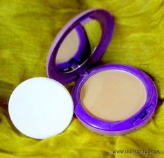 Ever Bilena BB Compact in Oriental Compact, Oriental, Bb, Blush, Lady, Beauty, Rouge, Beauty Illustration