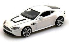 Motor Max Aston Martin V12 Vantage 1:24 Scale