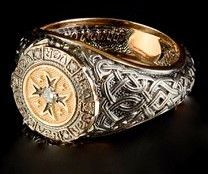 Mens ring - Knight ring with yellow gold and diamonds