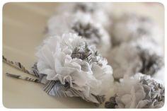 Flowers in paper towel by mariemirabel Origami And Quilling, Oragami, Diy Fleur Papier, Fleurs Diy, Paper Crafts, Diy Crafts, Paper Flowers, Wedding Bouquets, Decoupage